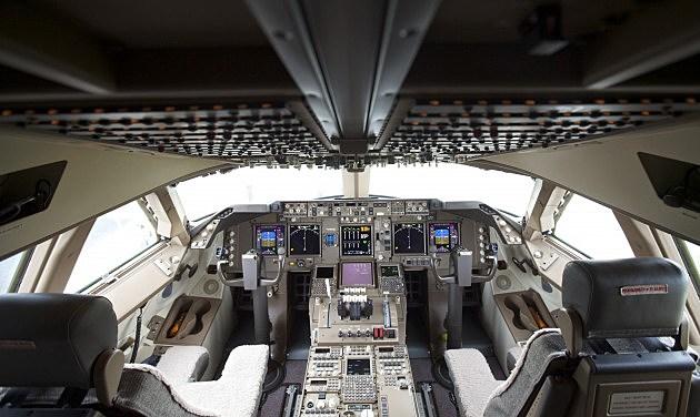 Boeing cockpit