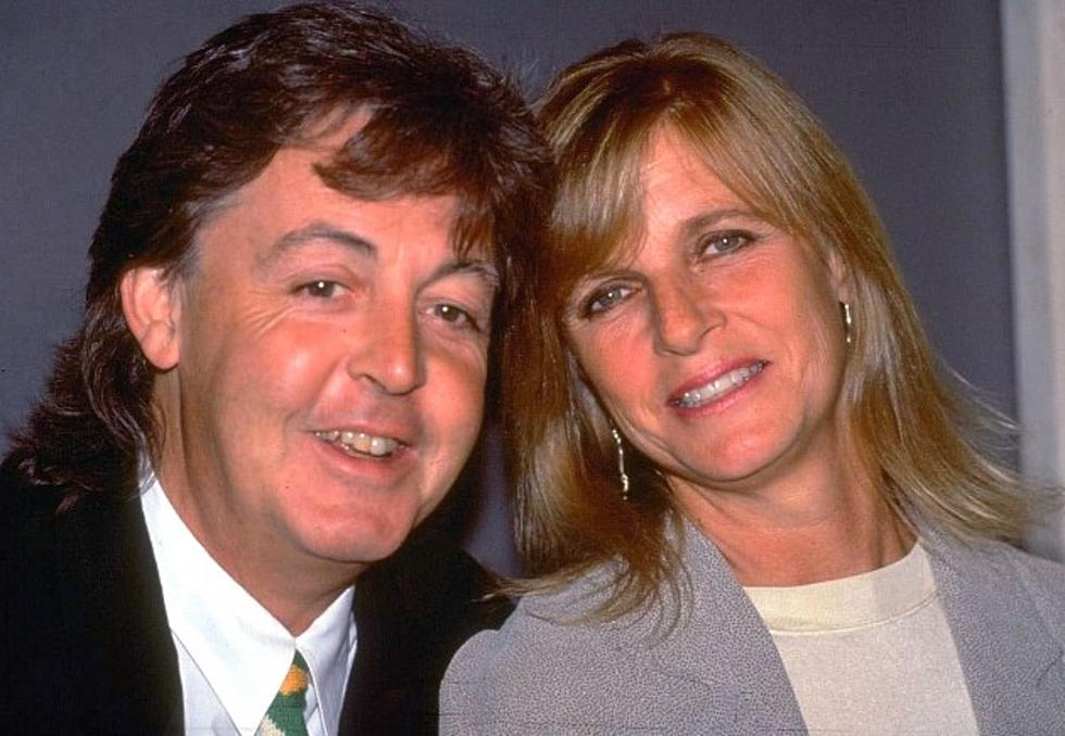 Paul McCartney Picks Out And Arranges Flowers For Linda 16 Years Ago